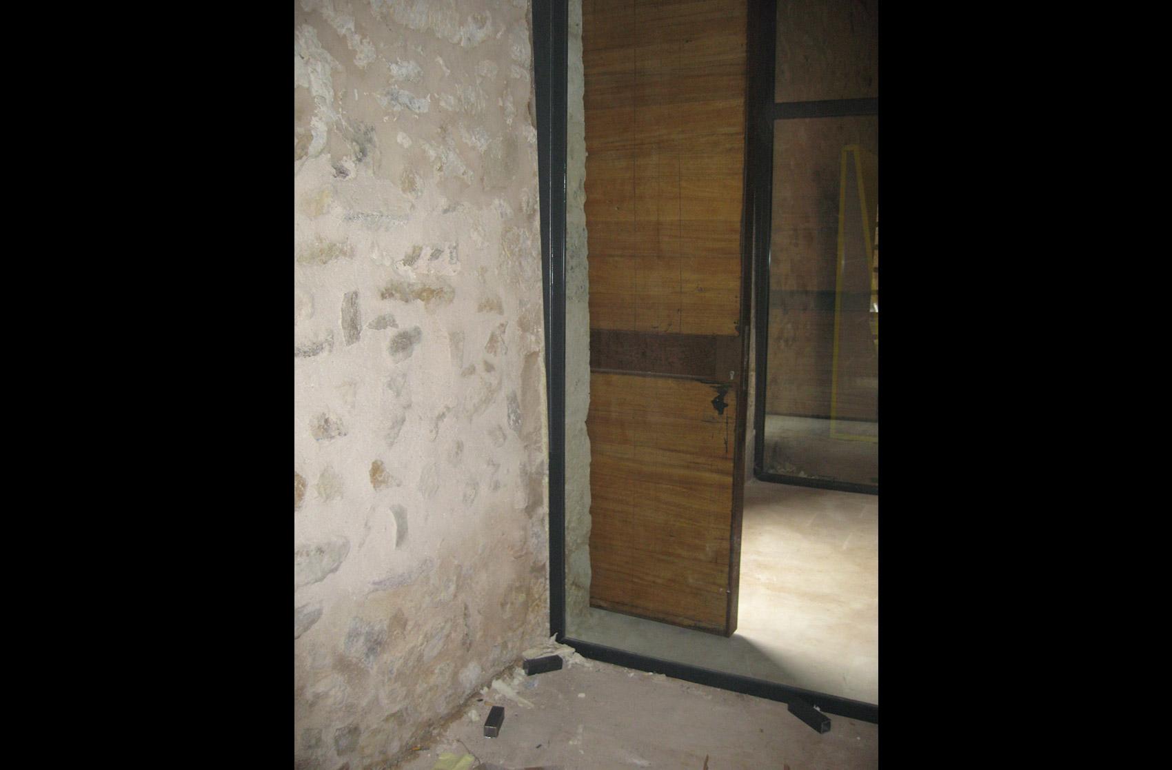 puerta metálica Expografic